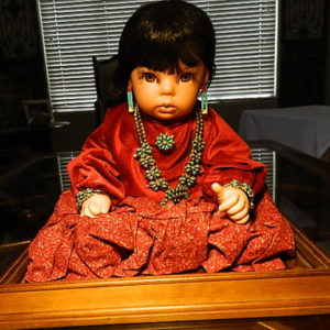 Navajo_Girl_Porcelain_Doll